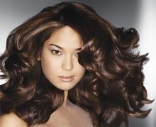 Či už súvisí so zmenou ročného obdobia alebo jednoducho s oslabenou  kvalitou vlasov. Ak však vlasy začínajú vypadávať ... 9195386e81e