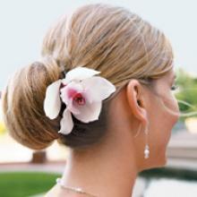 Svadba na jar: tipy a triky pre svadobné účesy