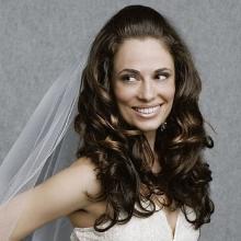 95c5865d075e Veľa neviest dáva prednosť svadobnému účesu so závojom